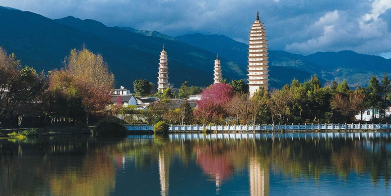 1 Days Dali Stone Mountain Golf Tour with Three-pagoda in Chongshen Temple