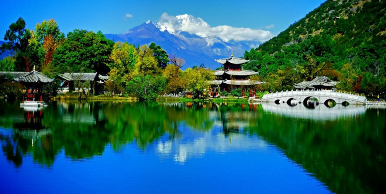5 Days Lijiang Highlights Tour to Tiger Leaping Gorge and Jade Dragon Snow Mountain
