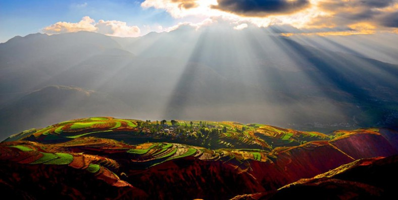 10 Days Yunnan Classic Tour with Dongchuan Red Land