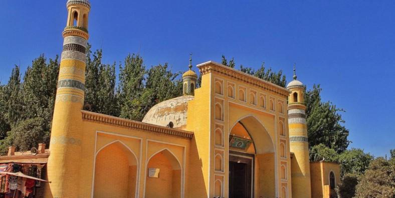 12 Days Southern Xinjiang and Taklamkan Desert Highway Adventure