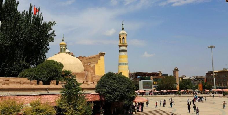 10 Days Xinjiang and Kyrgyzstan Tour from Urumqi to Bishkek