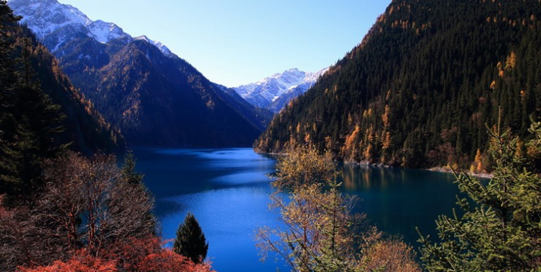 6 Days Jiuzhaigou, Huanglong, Langmusi Monastery and Ruoergai Grassland Tour
