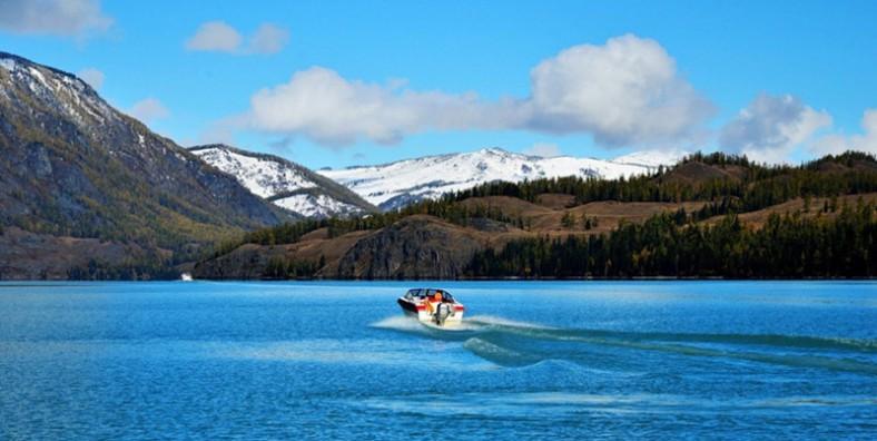 7 Days Northern Xinjiang Tour with Kanas Lake Adventure