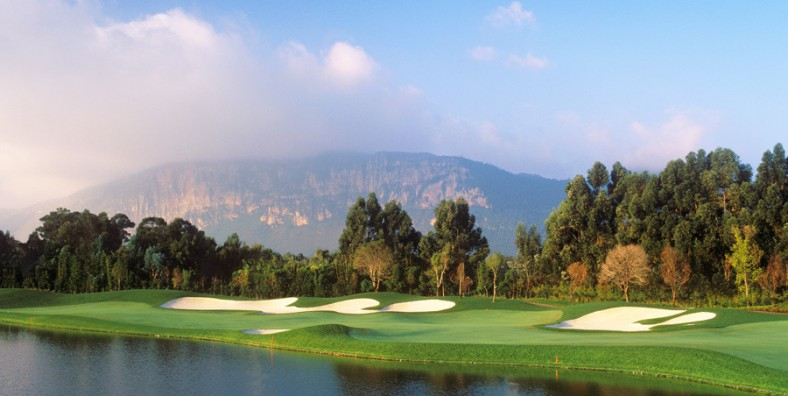 1 Day Kunming Dianchi Lakeview Golf and Sightseeing Tour