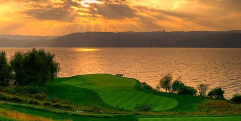 1 Day Kunming Golf Tour to Spring City Golf & Lake Resort