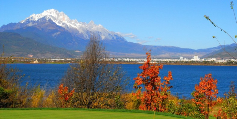 5 Days Lijiang Golf Tour with Lijiang Ancient Lakefront Golf Course and Jade Dragon Snow Mountain Golf Club