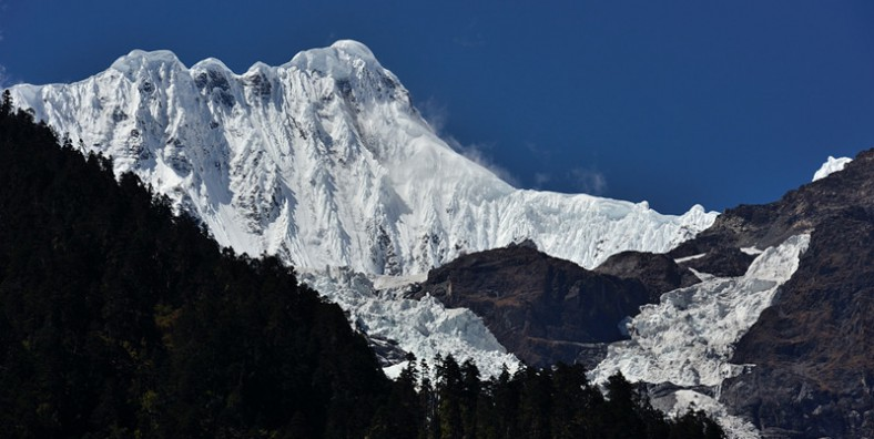 15 Days Three Parallel Rivers Overland Tour with Biluo and Meili Snow Mountains