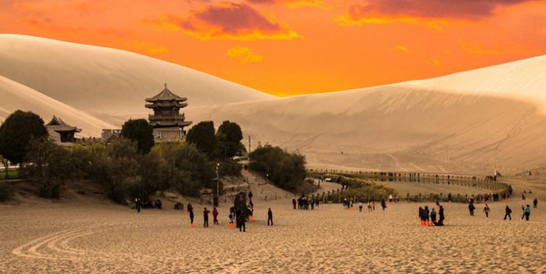 8 Days Lanzhou Xiahe Jiayuguan Dunhuang Silk Road Tour