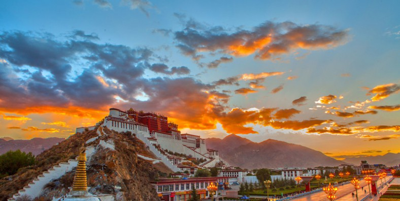 13 Days Beijing-Tibet and Kathmandu Overland Tour by Train