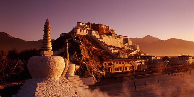 5 Days Lhasa and Yamdrok Lake Small Group Tour