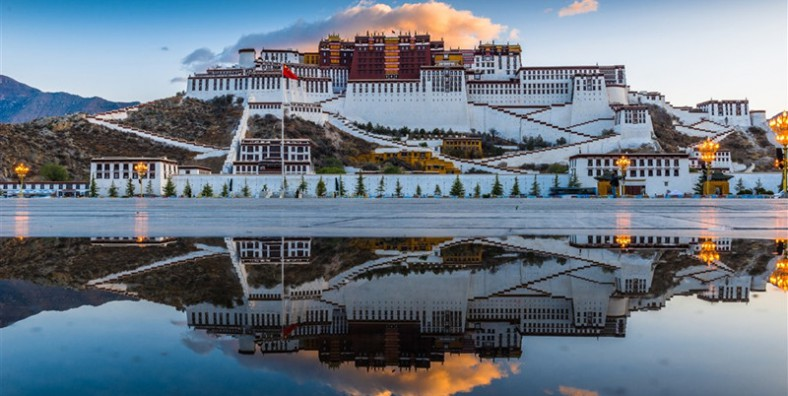 10 Days Lhasa to Everest Base Camp and Namtso Lake Small Group Tour