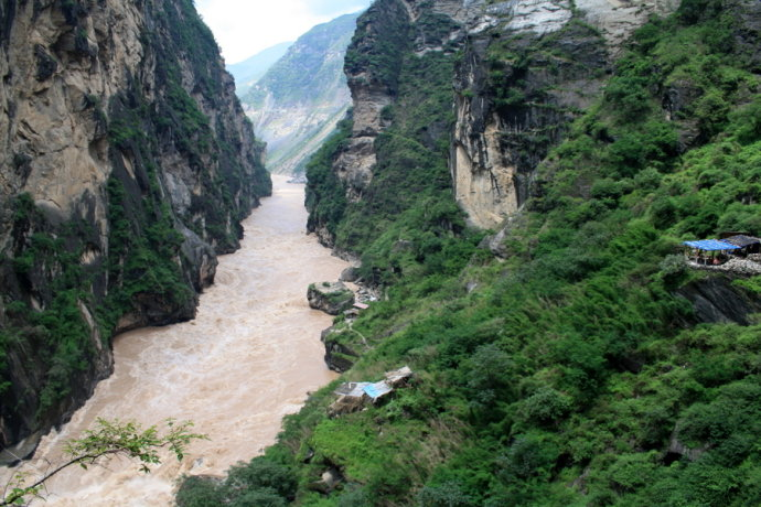 1 Day Middle Tiger Leaping Gorge Hiking Group Tour