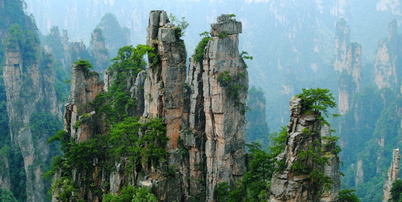 4 Days Zhangjiajie Classic Tour with White Water Rafting Adventure
