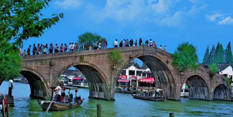 4 Days Shanghai City Tour with Zhujiajiao Water Town