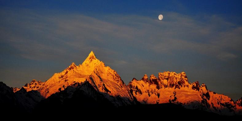 8 Days Meili Snow Mountain and Yubeng Trekking Tour