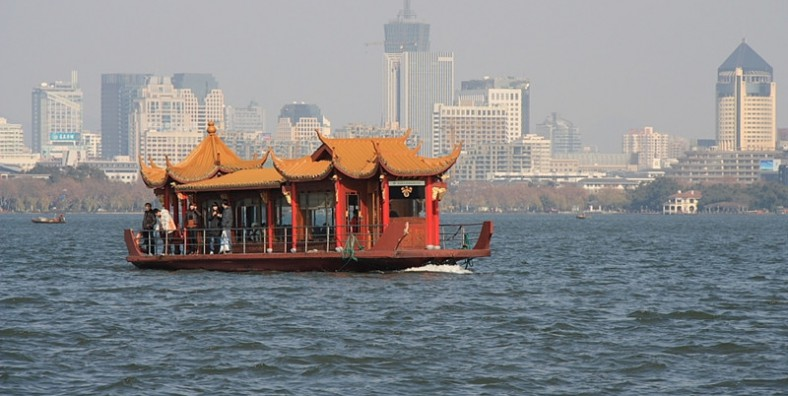 1 Day Hangzhou Tour to Xixi National Wetland Park, West Lake Cruise and Dragon Well Tea Plantation