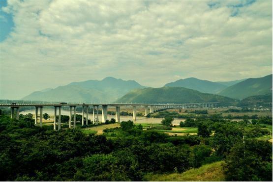 GaoliGongshan Mountain Hiking Tour-lujiang brige