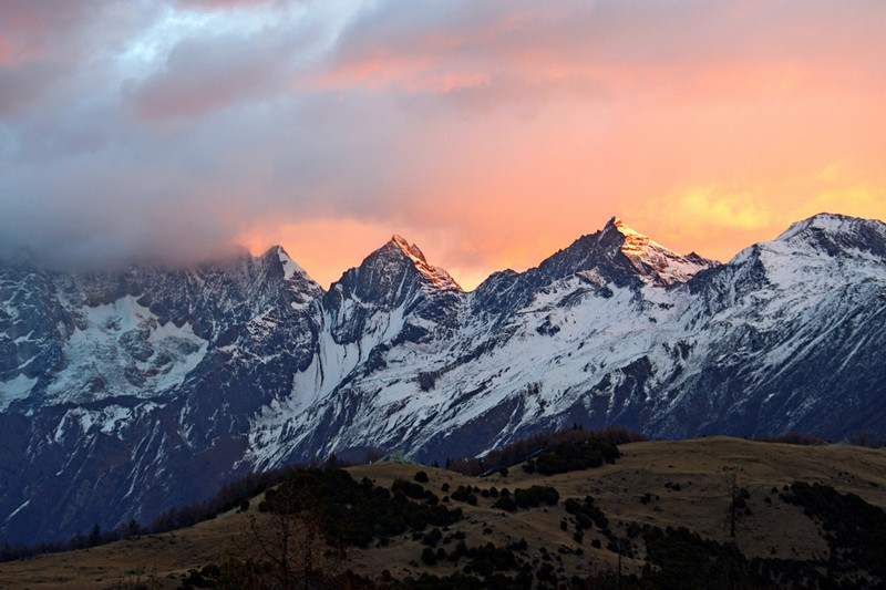 5 Days Mount Siguniang Dafeng and Erfeng Climbing Tour from Chengdu