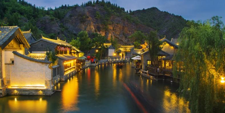 3 Days Great Walls Hiking and Camping Tour: Huanghuacheng, Xishuiyu, Jiankou, Mutianyu, and Simatai Great Wall
