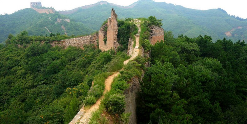 One Day Beijing Gubeikou & Jinshanling Great Wall Hiking Tour