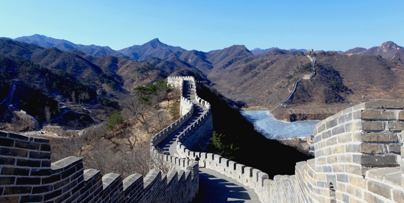 3 Days Great Walls Hiking and Camping Tour: Huanghuacheng, Xishuiyu, Simatai, and Jinshanling Great Wall