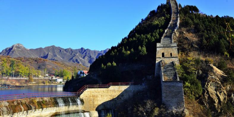 2 Days Great Wall Hiking and Camping Tour: Huanghuacheng, Xishuiyu, and Jinshanling Great Wall