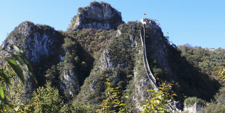 2 Days Great Walls Hiking and Camping Tour: Jiankou, Mutianyu, and Jinshanling Great Wall