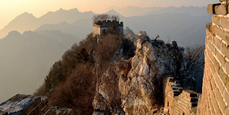 2 Days Great Walls Hiking and Camping Tour: Huanghuacheng, Xishuiyu, Jiankou, and Mutianyu
