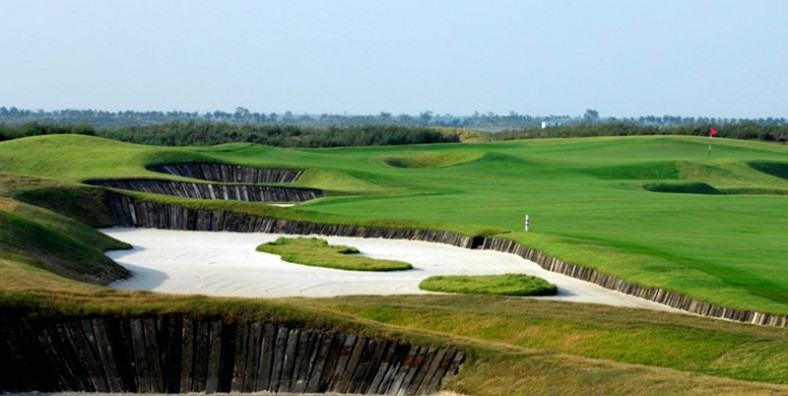 4 Days Shanghai City Tour with Shanghai Binhai Golf Holiday
