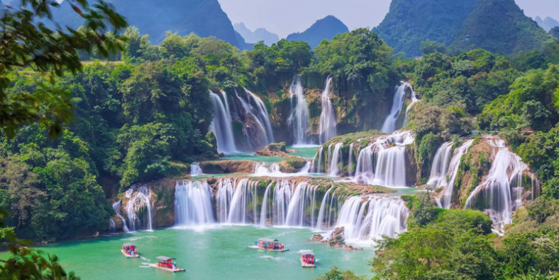 6 Days Guiyang Anshun Xijiang Libo Group Tour