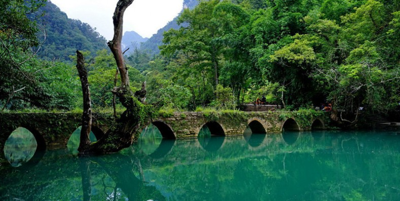 8 Days Guiyang Xingyi Xijiang Libo Group Tour
