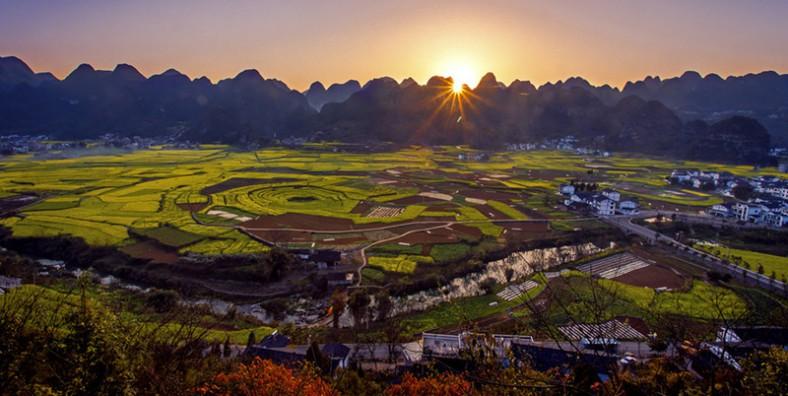 6 Days Guizhou Karst Landscape & Minority Culture Group Tour
