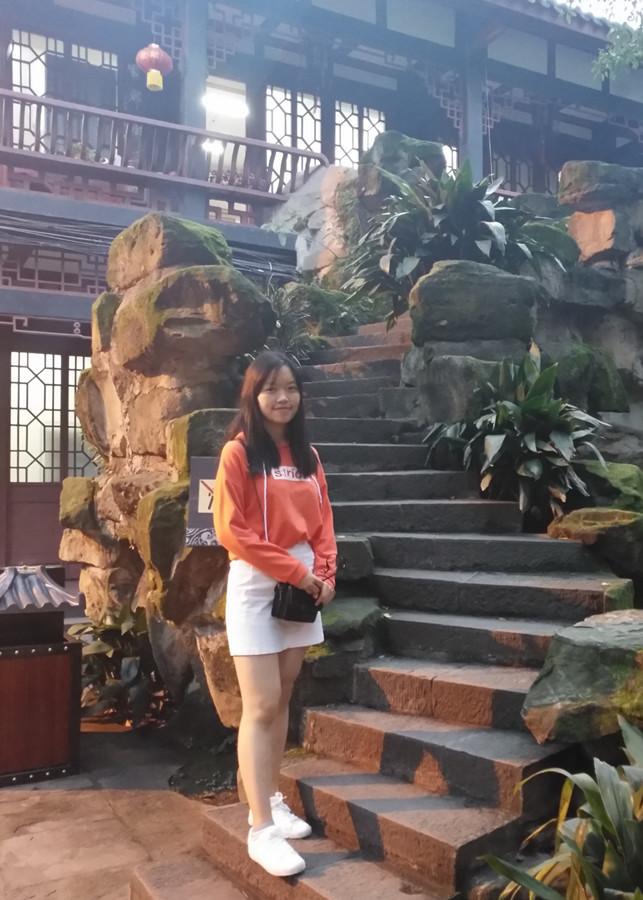Skye Zhang website editor of ychinatours in kunming yunnan