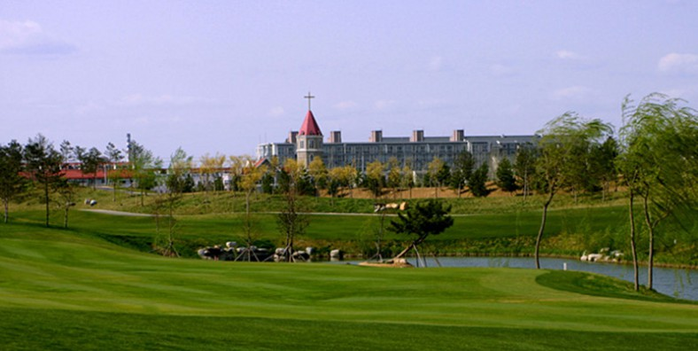 1 Day Beijing Aoyuan Golf Club and Summer Palace Tour