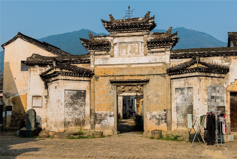 Longmen Ancient Town in Hangzhou