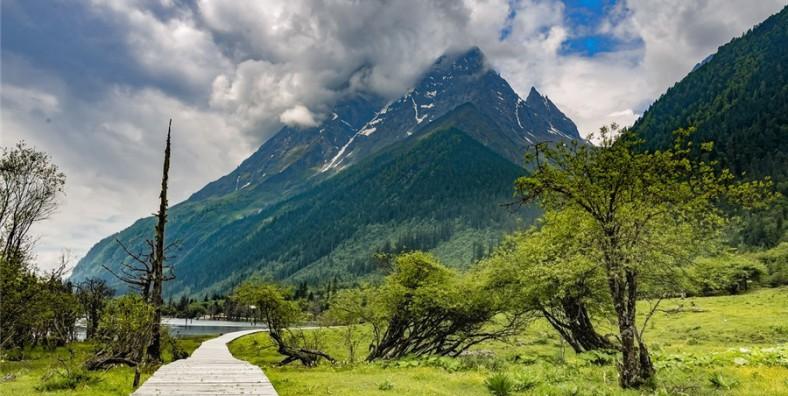 4 Days Mount Siguniang Easy Hiking Tour